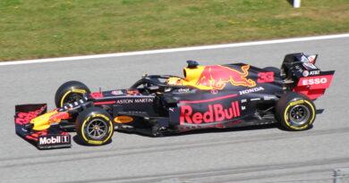 Verstappen soutire une autre victoire à Hamilton